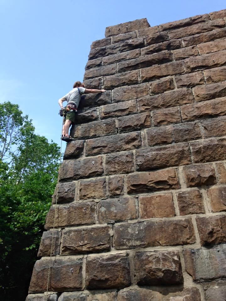 Free soloing Manchester Wall Richmond